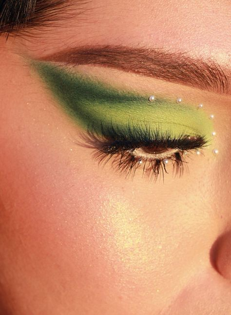 Elle auf - makeup - Make Up Smoky Eye Makeup, Eye Makeup Art, Eyeshadow Makeup, Makeup Brushes, Beauty Makeup, Hair Beauty, Hair Makeup, Eyebrow Makeup, Eyeliner