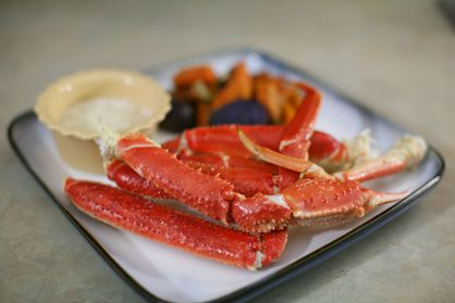 How to steam frozen crab legs that are already cooked.