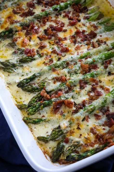 Cheesy Asparagus Casserole with Bacon Gluten free · Serves 6 · This keto asparagus casserole is a delicious side dish! It's cheesy, comforting, and topped with crunchy bacon. Low Carb Side Dishes, Side Dish Recipes, Steak Side Dishes, Side Dishes For Bbq, Side Dishes For Spaghetti, Diabetic Side Dishes, Steak Dinner Sides, Asparagus Casserole, Cena Keto