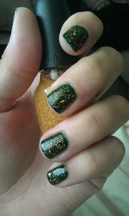 Green Bay Packers nails! Illamasqua Rampage and Sephora It's Real top coat.