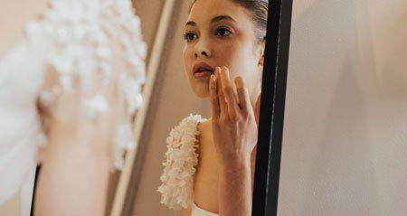 أفضل 20 لون شفاه للعروس 1 النود روج النود روج النود هذا اللون الجرئ يعطيكي تطبيقا سهلا وجميلا بملمس ناعم وهذا الظل ال Lipstick Most Beautiful Beautiful