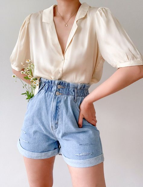 Pocket Full of Daisies Shorts - Large