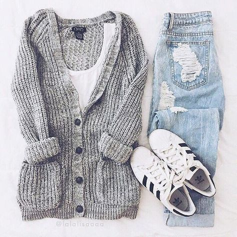 This looks like a cozy, casual outfit