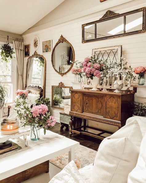 #floral #floraldesign #arhaus #cozy #cozylivingroom #farmhouse #shiplap #farmhouselivingroom #farmhousedecor #farmhousestyle #homedecor #mirror #mirrorwall