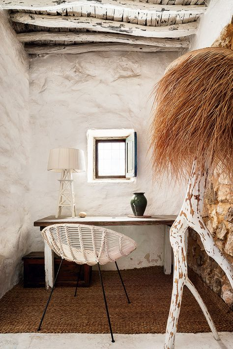The Little things from Beach & eau: IBIZA ..... home from a primitive cave VIEW ..................... AD