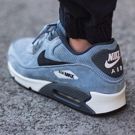 Te interesan los Zapatos que estas viendo? Pues visitarnos para ver modelos  a nustra web comprarzapatosonl... | Sneakers | Pinterest | Celebrity style,  ...