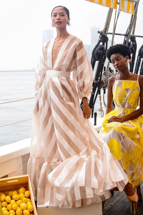 Fashion Week: Fashion Shows, Trends, Ru