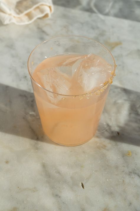 Paloma Rosa Cocktail | a simple tequila favorite - bright, refreshing, tart, with a kiss of sweet and salty.  QUITOKEETO