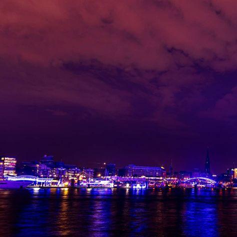 Last one of the series: #blueport #hamburg no.06 #swipe ➡️ #pano with #elbphilharmonie and #afterglow -- #elphi #blue #purple #reflections #hamburgerhafen #portofhamburg #hafen #port #riverelbe #elbe #landungsbrücken #hamburgerecken #hamburgmeineperle #hamburgliebe #ilovehamburg #welovehamburg #hamburgmylove #lightart #lichtkunst #nightphotography #