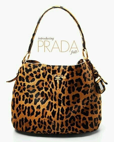 73c4dc91a830 Gotta love the animal print bag. So chic and casual. Jessica Simpson  surprises me wit… | Animal Prints a Trend? Only if you don't know how to  wear it.