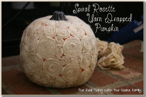 The Real Thing with the Coake Family: Swirly Wirly ~ Spiral Rosette Yarn Wrapped Pumpkin - Tutorial
