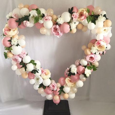 Blooms and balloons, does it get any better than this! Make your own whimsical heart backdrop with this easy DIY from Prop Me Pretty and artificial flowers fro