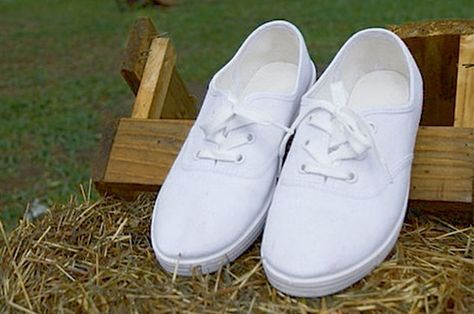 Cómo Lavar Tenis Blancos De Tela Sin Que Queden Amarillos Como Lavar Tenis Lavar Tenis Blancos Limpieza De Zapatos