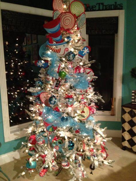 A FROSTY Tree! Tree showcasing the Lisa Frost Collection www.lisafroststudio.com