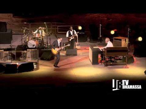 Spectacular Tribute Concert To Muddy Waters And Howlin Wolf The Blues Joe Bonamassa Blues Music Muddy Waters