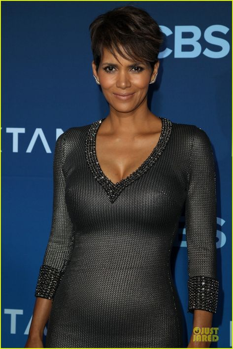 Halle Berry Gets Support From Olivier Martinez at 'Extant' Premiere!: Photo Halle Berry dons a form-fitting dress while attending the premiere of her new show Extant at California Science Center on Monday (June in Los Angeles.