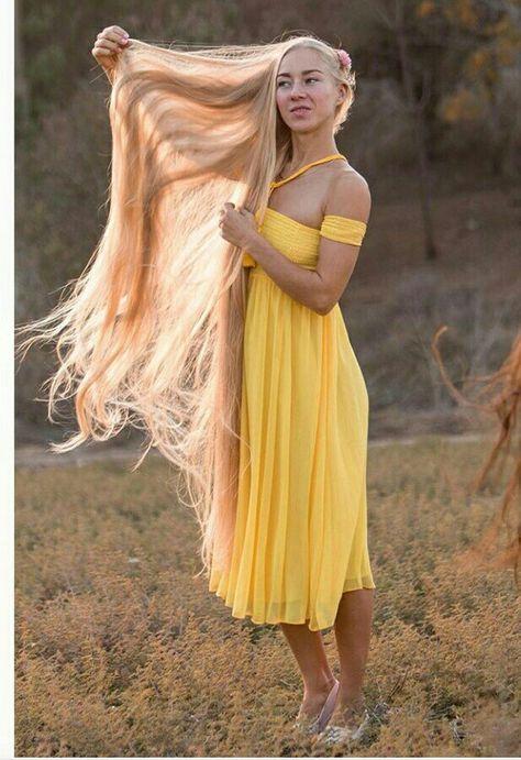 блондинка с очень длинными волосами видео любительское далее пара