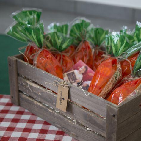 Una carita piena di dolci, un piccolo ricordo del picnic in campagna!  http://www.ilpaesedellefeste.it