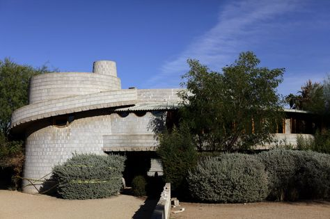 This Frank Lloyd Wright home, built in 1952 in the Arcadia neighborhood of Phoenix, faces the threat of demolition.  (Joshua Lott/The New York Times)