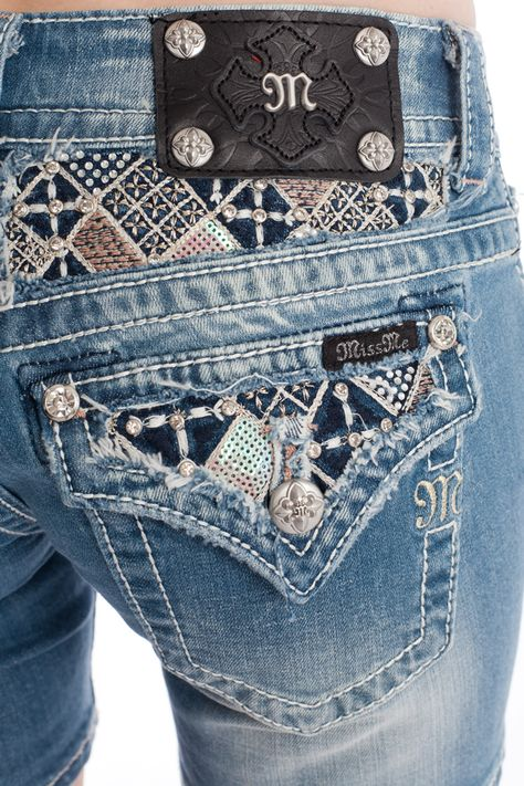 I alway wear Miss Me jeans as well as other Buckle jeans like Rock Revival, Lucky Brand and Big Star! Best jeans in the world!
