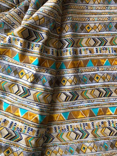 100/% Cotton Fabric White with Blue Paisley Like Commas /& Tiny Blue Dots
