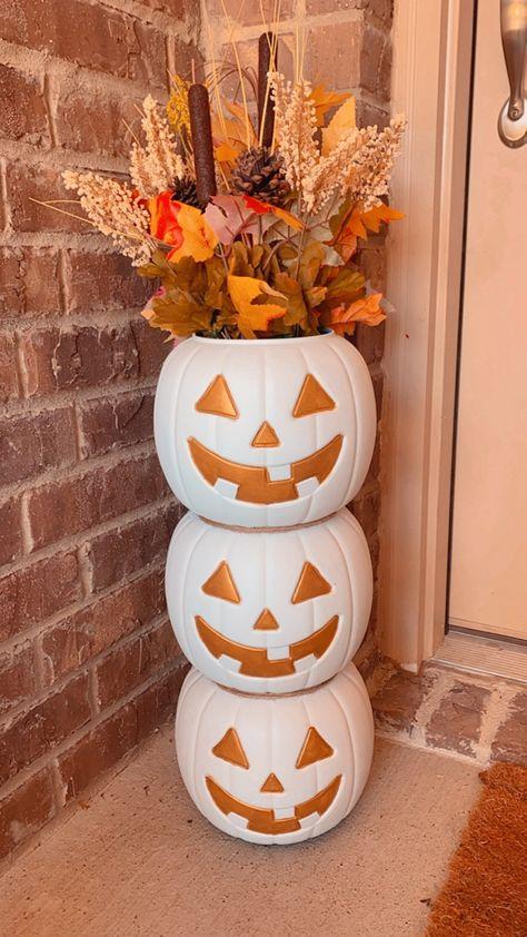 Fall DIY decor / Plastic Pumpkin Planter