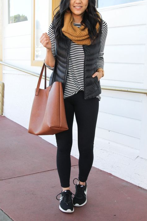 Four comfy winter outfits with leggings + nordstrom's half yearly sale comfy legging outfits, black