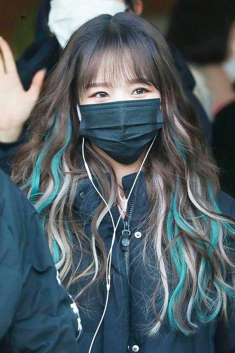 Blue Hair Highlights, Hair Color Streaks, Hair Dye Colors, Pink Streaks, Girl Hair Colors, Daniel Golz, Kpop Hair Color, Grunge Hair, Aesthetic Hair
