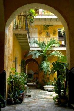 Old Havana... Casa del Habanos
