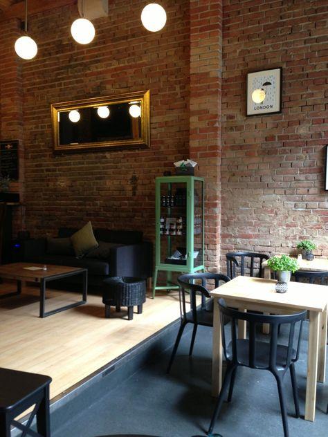 platzhirsch stuttgart minimalistische wohnung in mitte mit parkettboden und groaen fenstern wohnen livingroom wohnzimmer pinterest facebook
