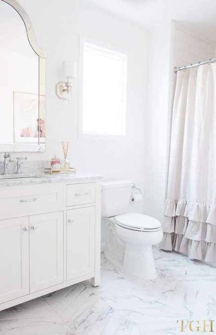 Trendy Apartment Bathroom Decorating Ideas White Ideas Small White Bathrooms All White Bathroom Bathroom Decor Apartment