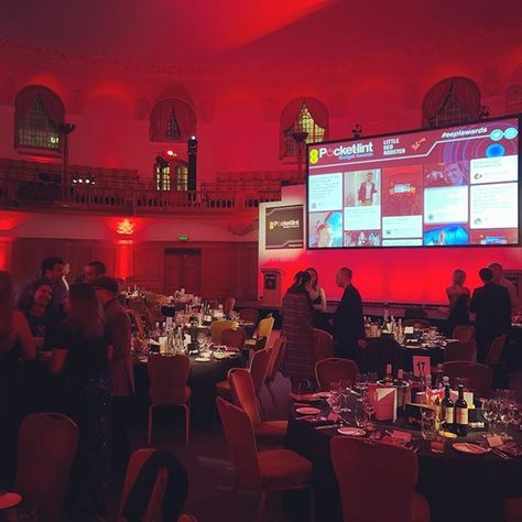 "Dan Grabham on Instagram: ""Made it. Ready for the @pocketlintcom Awards! 😀 #EEPLAwards . . . . #tech #technology #gadgets #awards #london"""