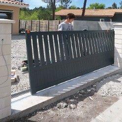 Diy Poser Un Portail Coulissant En Aluminium Portail Coulissant Portail Portail Aluminium