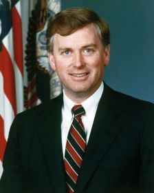 Top quotes by Dan Quayle-https://s-media-cache-ak0.pinimg.com/474x/f2/8e/cc/f28ecc106741b531272f231503db6f3c.jpg