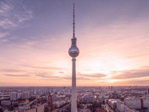 After Work Im Berliner Fernsehturm Fernsehturm Fernsehturm Berlin Tv Turm