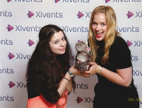 21.06.2015: Elizabeth Lail and Baby Sven, a true love