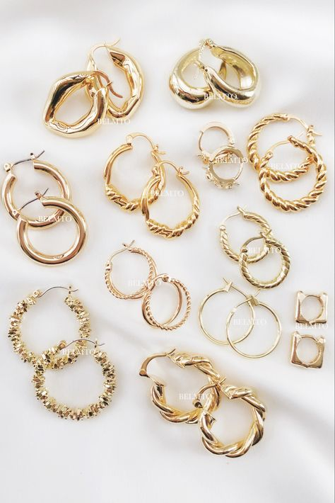Ear Jewelry, Dainty Jewelry, Cute Jewelry, Body Jewelry, Jewelry Accessories, Fashion Accessories, Accesorios Casual, Gold Hoop Earrings, Gold Hoops
