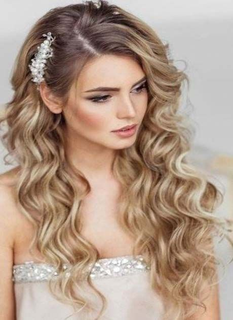 Fancy Curly Hairs Style For Ladies 2019 Hairstyles Lodge Long Hair Styles Hair Styles Glamorous Hair