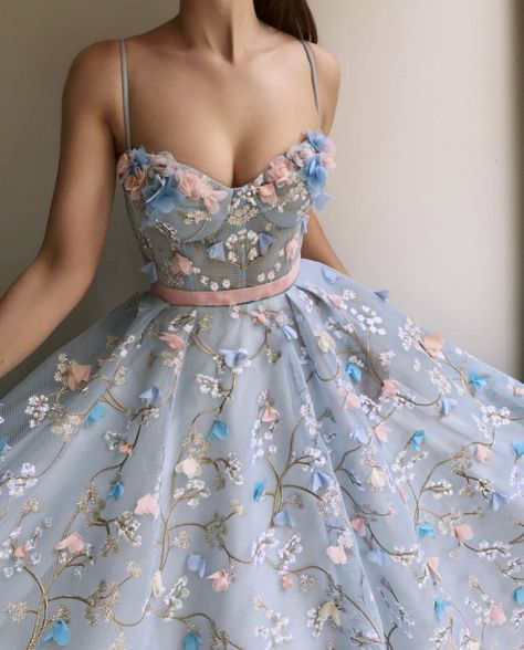 Spaghetti Strap Sweetheart Prom Dress Long with Lace Flowers, Gorgeous Formal Dr. - Spaghetti Strap Sweetheart Prom Dress Long with Lace Flowers, Gorgeous Formal Dress – Source by – Cute Prom Dresses, Ball Dresses, Elegant Dresses, Pretty Dresses, Beautiful Dresses, Formal Dresses, Casual Dresses, Sexy Dresses, Summer Dresses
