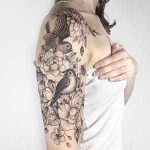 Tattoo Artist Yarina Tereshchenko Black Linework Graphic Tattoo Kiew Ukraine Inkppl Tattoo Magazine Tattoo Artists Light Tattoo Tattoos