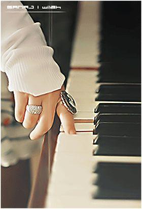 Pin De 𝔉𝔞𝔱𝔶 𝔉𝔞𝔯𝔢𝔩𝔩𝔞 En Imagen De Musica Imagenes De Musica Musica