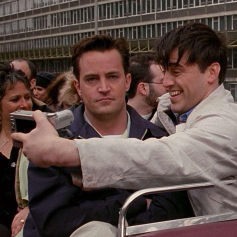 Friends - Old School Tv: Friends, Friends Tv Show, Friends Scenes, Friends Cast, Friends Episodes, Friends Moments, Chandler Friends, Chandler Bing, Joey Tribbiani