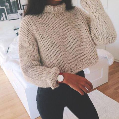 Black Skinnies balance out the boxy shape of this amazing Fall knit. This season is all about #neutrals.