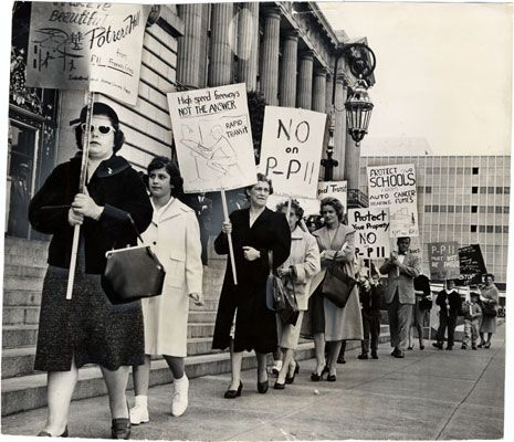 Picketers Protesting Against The Southern Freeway Marching At City Hall April 18 1961 Aaf 0671 J San Francisco Photography San Francisco Bay Area San Francisco