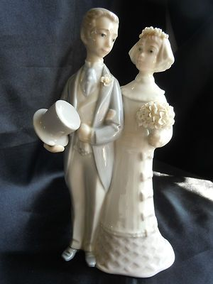LLADRO BRIDE AND GROOM FIGURINE PERFECT CAKE TOPPER FRESH OUT OF NYC ESTATE