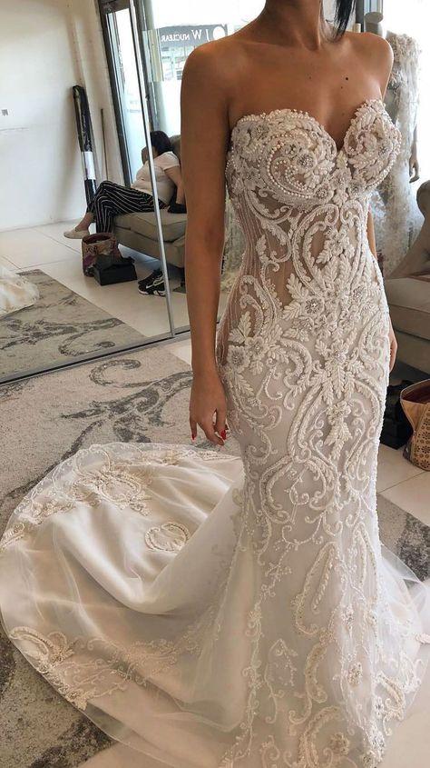 Stunning wedding dress with amazing details - heavy embellishment wedding dress #weddingdress #weddinggown