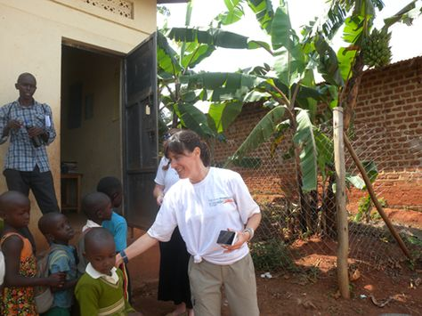 Volunteers alice edinger and keith russell in uganda bulenga at volunteers alice edinger and keith russell in uganda bulenga at the community development program keith ive been a diy do it yourself home imp solutioingenieria