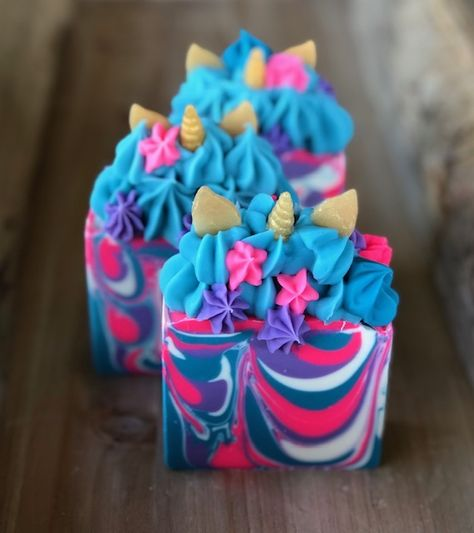 Natural Handmade Soap and Bath Products by WildlyPoshSoapCo Dit Gifts, Neon Crafts, Melt And Pour, Soap Tutorial, Diy Resin Art, Candle Craft, Whipped Soap, Summer Crafts For Kids, Cold Process Soap