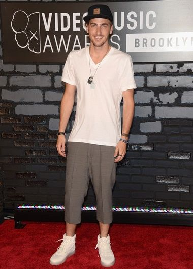 Kendall Schmidt Height Weight Body Measurements Shoe Size Age