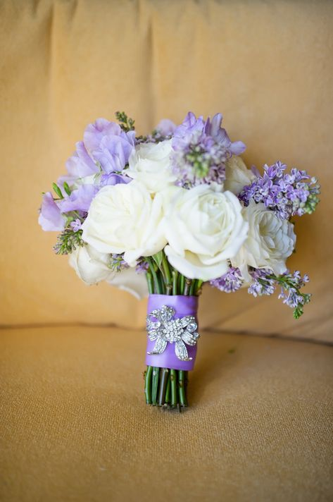 LOVE this lavender and white bouquet!